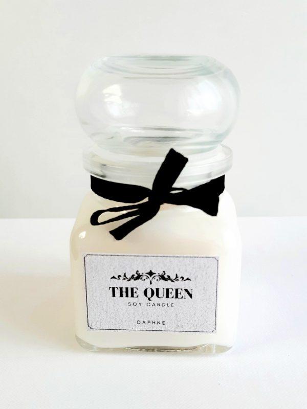 the queen szójagyertya3